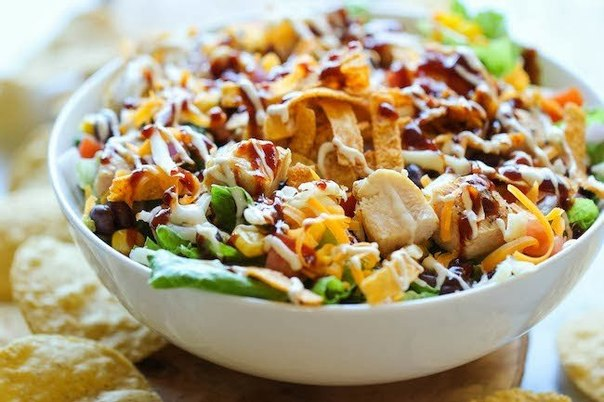 салат из курицы с овощами оригинальный