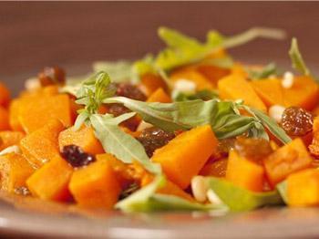 салат из тыквы, рукколы и кедровых орешков