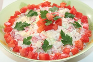 салат простой из куриной грудки
