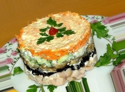 Рецепт солянки из капусты с сосиской в духовке