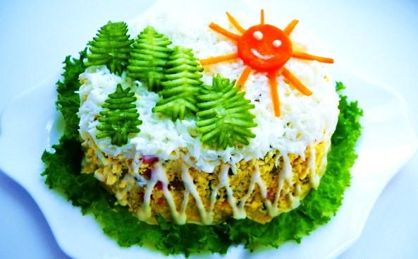 салат зимний из мяса, слоенный
