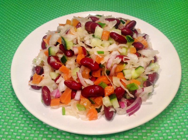 салат из фасоли и красной капусты