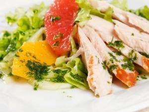 салат из куриных грудок с грейпфрутом