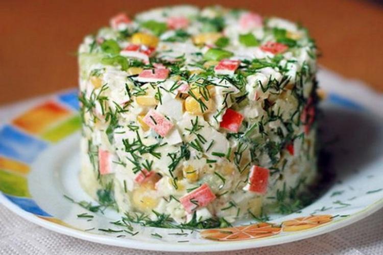 салаты из крабовых палочек с рисом рецепты с фото