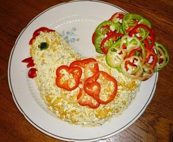 салат новогодний Петушок из курицы