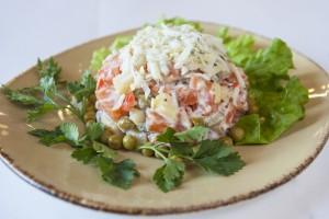 салат зимний из кальмаров