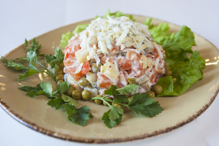 Зимний салат классический фото