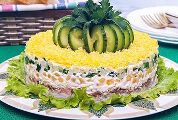салат слоеный
