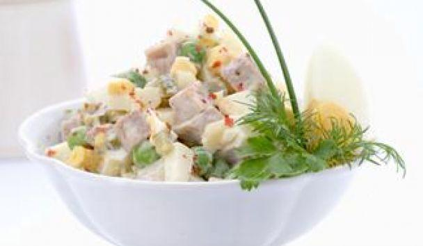 Салат Курочка с ветчиной и овощами