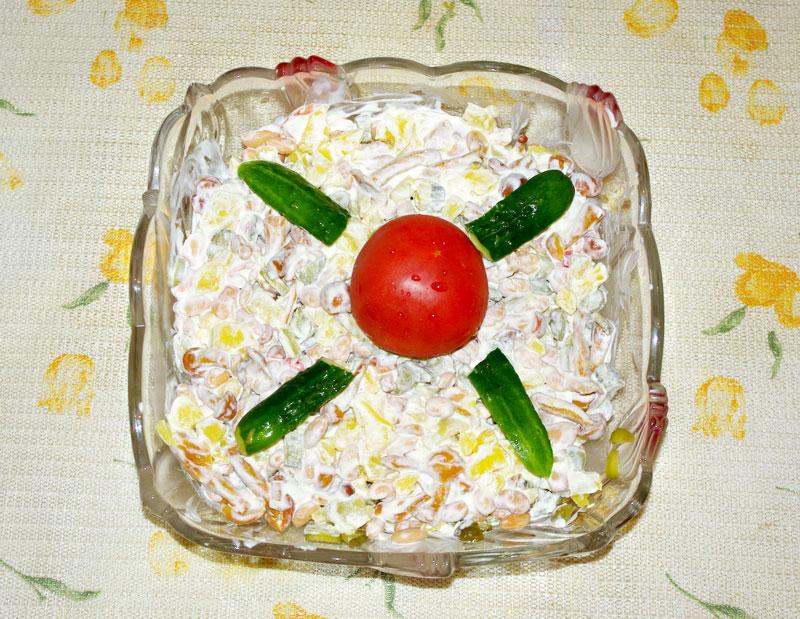 Салат с грибами и белой фасолью