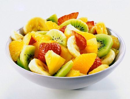 Сырный салат с фруктами