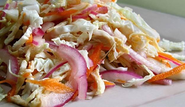 Салат из куриных грудок с белокочанной капустой
