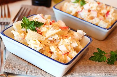 Салат из крабовых палочек с сыром и картофелем
