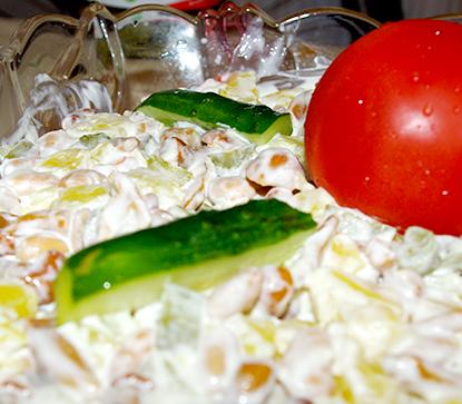 Грибной салат с фасолью