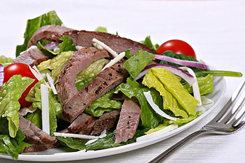Салат из филе говядины с овощами