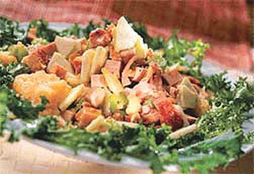 Салат из баранины и куриного мяса с овощами