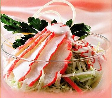 Салат из крабового мяса с капустой и спаржей